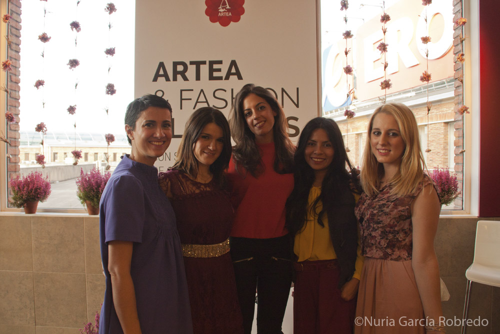 Nora (Back to Trendy), Nurilove, Silvia (1 Silla para mi bolso), Ana (Ana Living Fashion) y Goizane (Me myself my wardrobe)