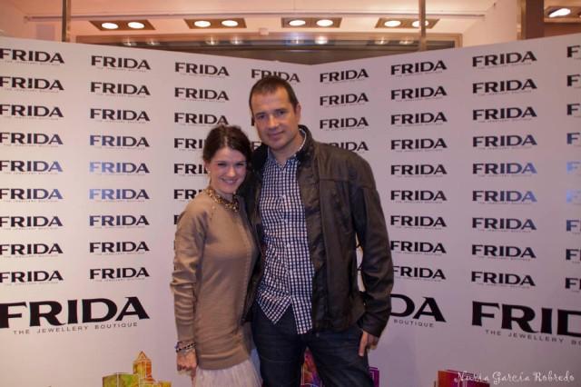 Nurilove en el photocall con la compañía de Andrés Febrero (en buena compañía)