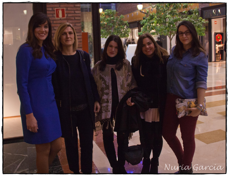 De izda. a dcha. nuestra presentadora, Mónica Deprit (Meet me in Bilbao), Nuria (Nurilove), Vanessa (I love Melita) y Tamara (Mi armario de papel)