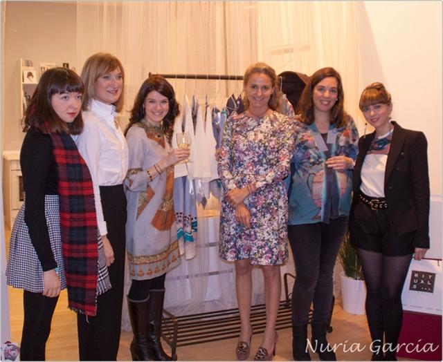 Itziar, Arantza, Nuria, Carla, Itxaso y Patricia con la colección Armuseli