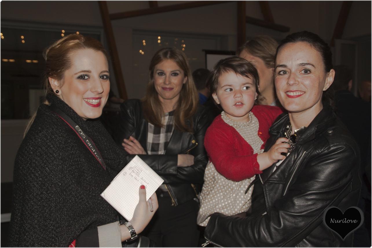 Goizane (Me myself my wardrobe), Esti, Silvia (Bilbaoclick), María (Bilbaoclick) y la pequeña Martina que fue toda una estrella de la tarde.