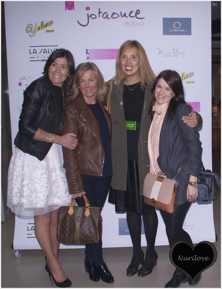 Photocall con Silvia de (Sylvia's Closet by Silvia y Leonor y Nohemi de Con buena facha
