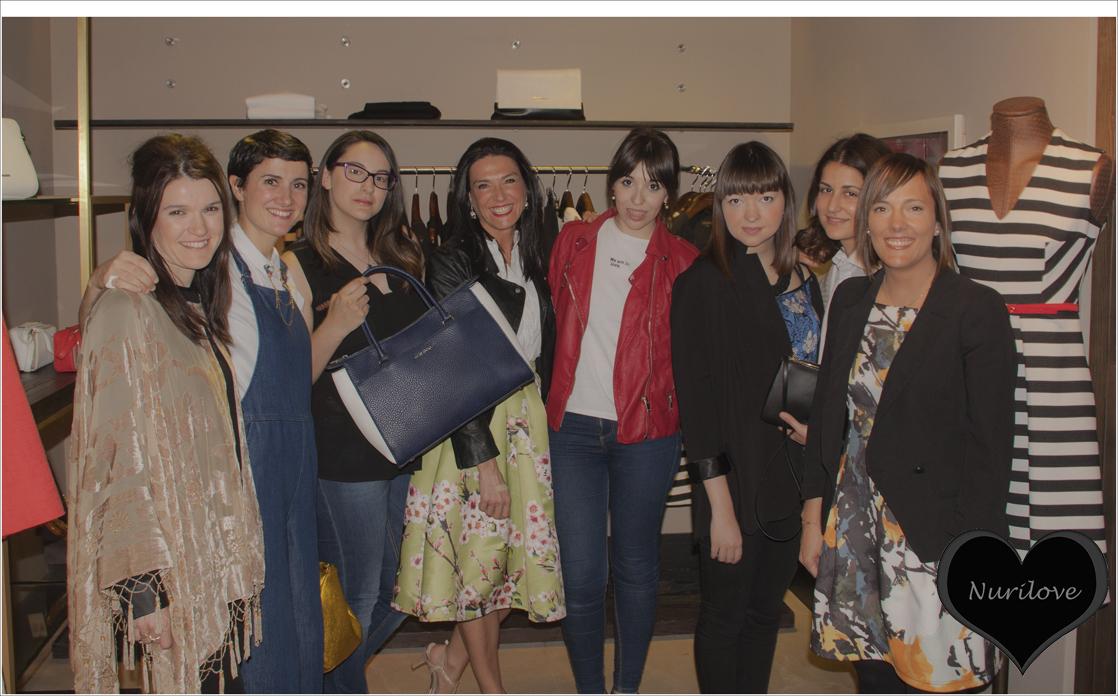 Un gran grupo de bloggers que allí nos juntamos.