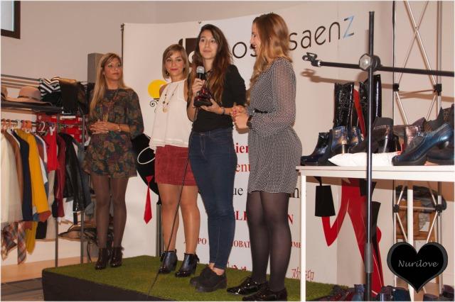 De izda. a dcha. Inma (Con el micro y en tacones), Angélica (Angycloset), Andrea (Another fashion world) y Carmen (La bruja con tacón de aguja)